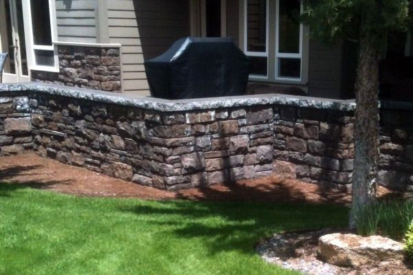 Backyard-Retaining-Wall