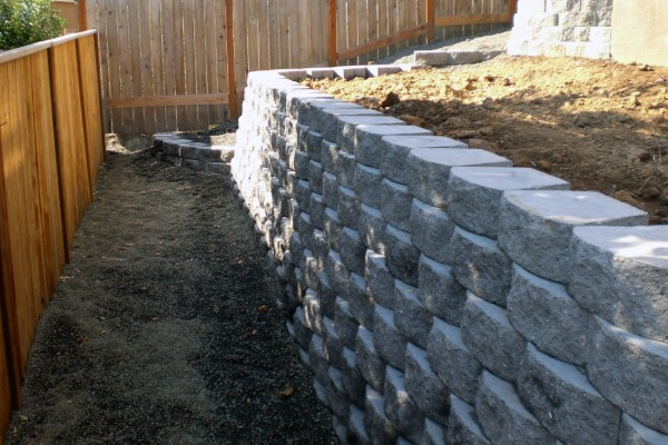 Retaining-Wall-Backyard